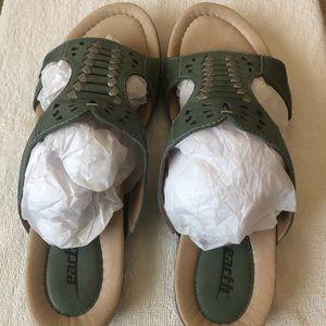 """Earth """"Lagoon"""" Teal Green Sandals."""